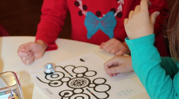 Ozobots and Cupcakes – Coding over Brunch!